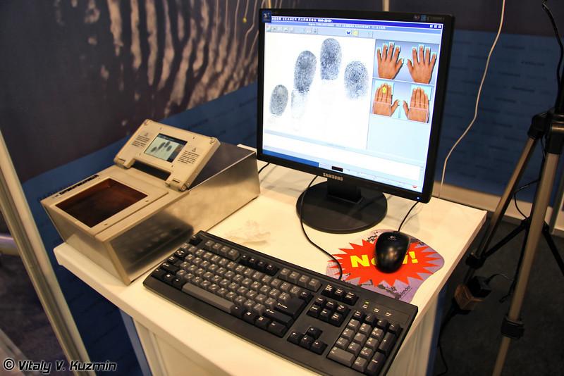 """Система электронного дактилоскопирования Живой сканер с дактилоскопическим ладонным сканером Папилон ДС-45М (""""Live scanner"""" fingerprinting system with Papilon DS-45M fingerprinting scanner)"""