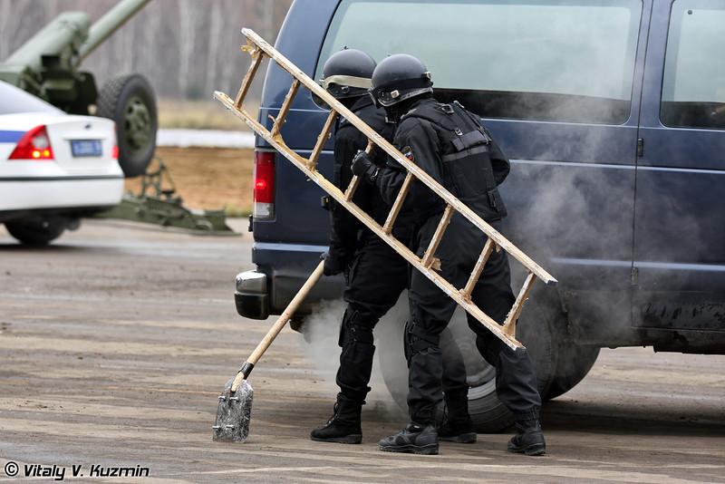 Показательное выступление СОБР Рысь МВД России (SOBR Ris' demonstration)