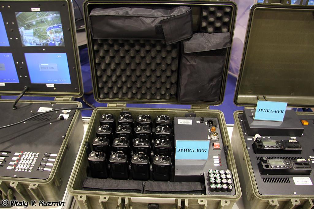 Транспортный модуль носимых радиостанций ЭРИКА-ТМНР из состава комплекса ЭРИКА-БРК, обеспечивающего функционирование локальной сети радиосвязи
