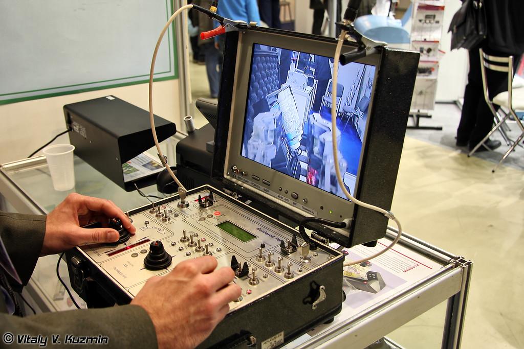 Мобильный робототехнический комплекс сверхлегкого класса Вездеход-ТМ3 (Vezdekhod-TM3 robot system)