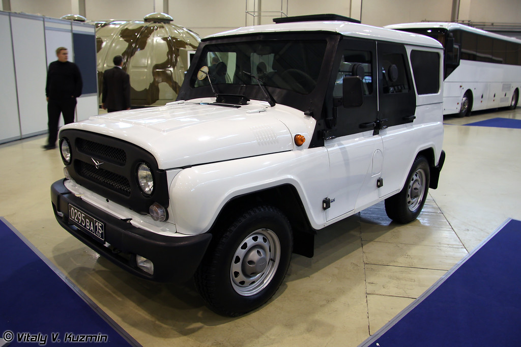 УАЗ-515195 Есаул (Armored UAZ-515195 Esaul)