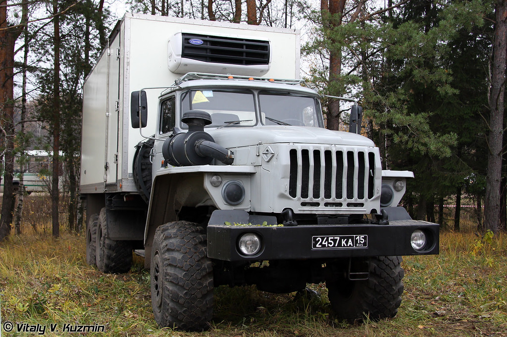 Авторефрижератор на шасси Урал-4320 (Refrigerator truck on Ural-4320 chassis)