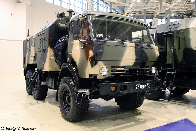 Командно-штабная машина Р-142НСА (R-142NSA command vehicle)