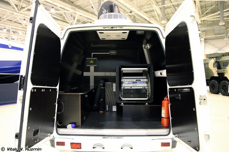 Мобильная станция спутниковой связи на базе ГАЗ-27057-438 (Mobile satellite communication vehicle on GAZ-27057-438 base)