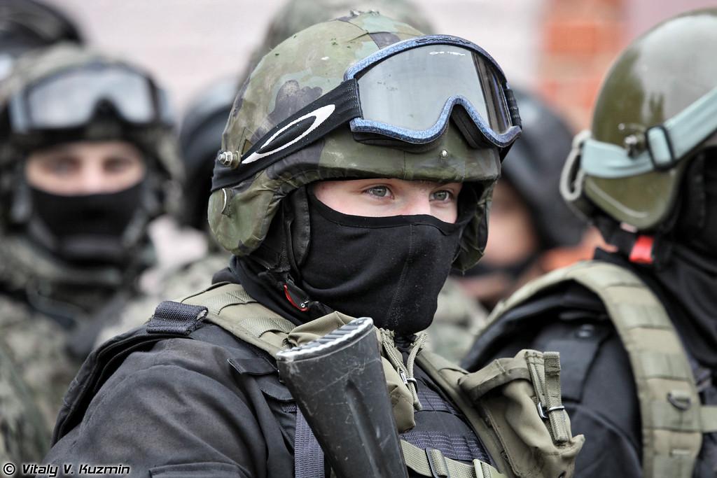 Военнослужащие 604-го ЦСН Витязь ВВ МВД России (Operators from 604th Special purpose center Vityaz of Internal troops)