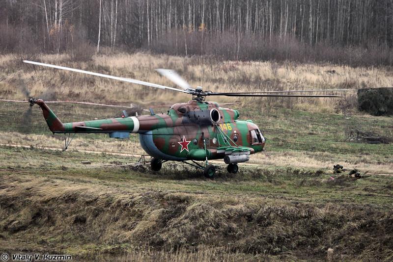Высадка воздушно-поисковой штурмовой группы (ВПШГ) с вертолета Ми-8АМТШ (Assault group landing from Mi-8AMTSh)