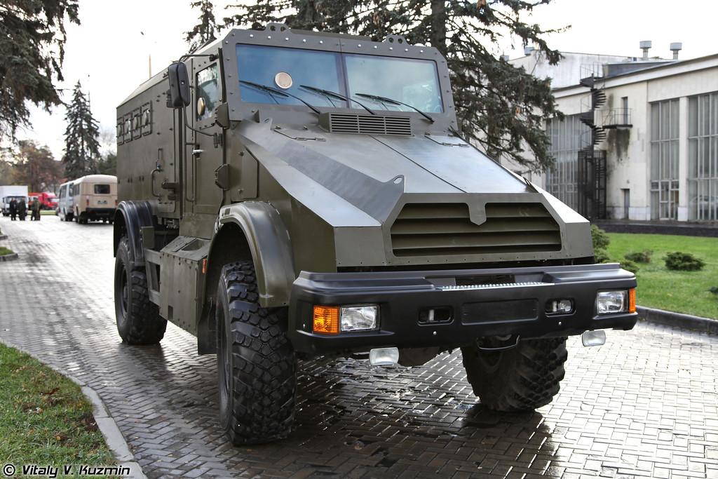 Взрывозащищенный бронированный спецавтомобиль Горец-К (Armored vehicle Gorets-K)