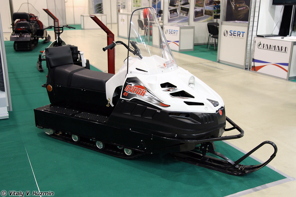 Снегоход Буран 4Т (Buran 4T snowmobile)