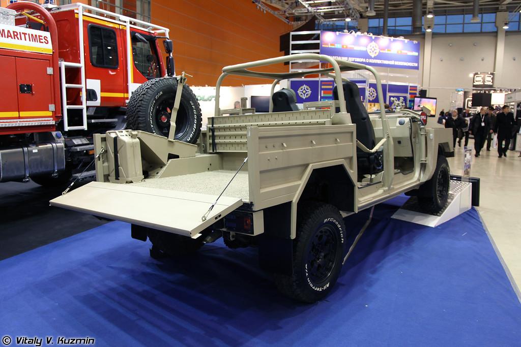 Легкий тактический автомобиль Acmat ALTV 4x4-3,5 (Acmat ALTV light tactical vehicle)