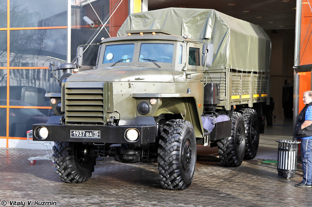 Федерал-42591 на шасси Урал-4320 (Federal-42591 armored vehicle on Ural-4320 chassis)