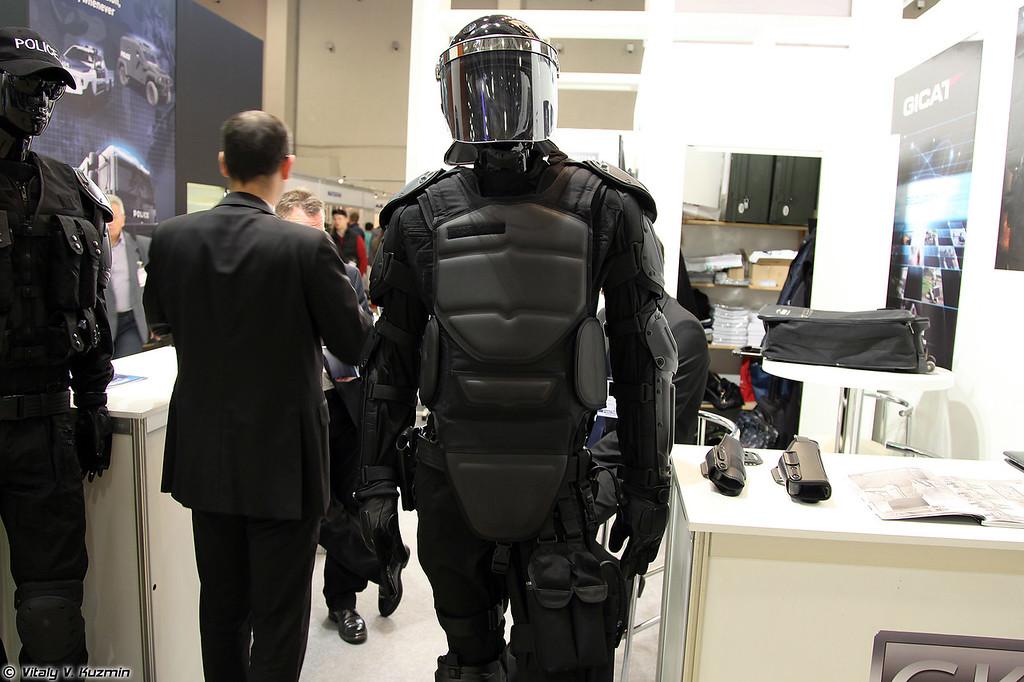 Противоударный комплект без названия от французской GK Professional (Riot control suit from french GK professional)