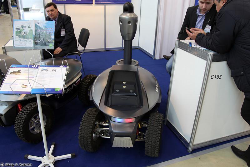 Охранный робот ТРАЛ ПАТРУЛЬ (TRAL PATROL security robot)