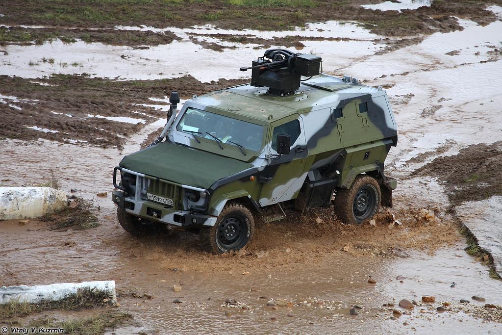 Скорпион-2МБ с боевым дистанционно управляемым модулем (Skorpion-2MB armored vehicle with remote weapons station)