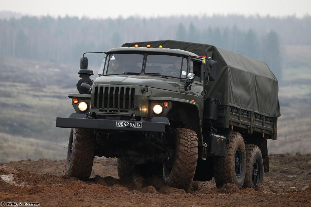 Урал-4320 (Ural-4320)