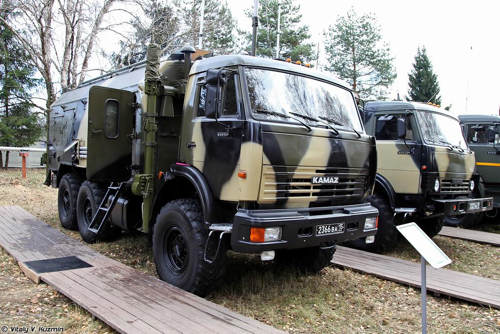 Радиостанция Р-166 (R-166 signal vehicle)