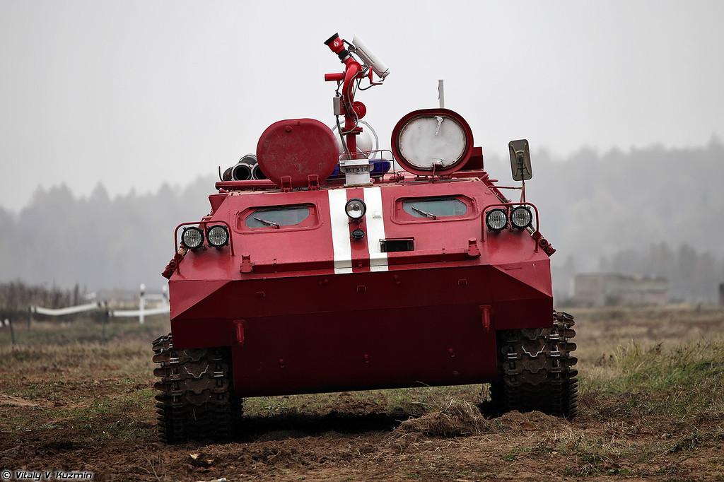 Гусеничная пожарная машина МТ-ЛБу-ГПМ-10 (Tracked fire fighting vehicle MT-LBu-GPM-10)