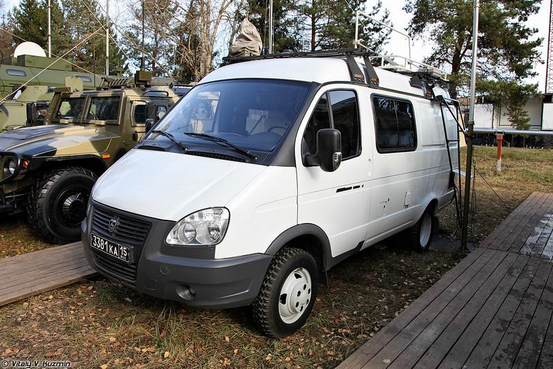 Командно-штабная машина Р-142МНА (R-142MNA command vehicle)