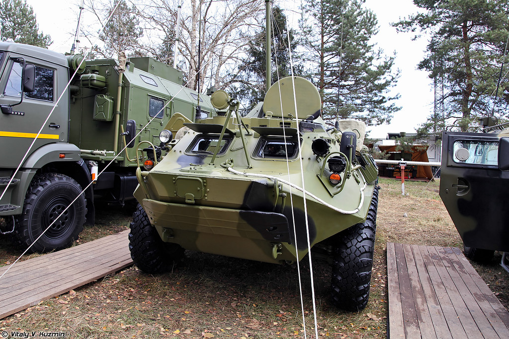 Командно-штабная машина Р-145БМ1 (Command vehicle R-145BM1)