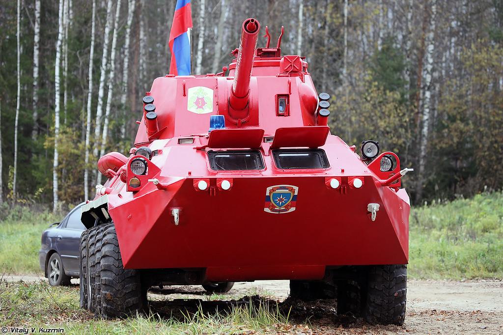 Специальная пожарная машина на базе САУ 2С23 Нона-СВК (Special firefighting vehicle on 2S23 Nona-SVK base)