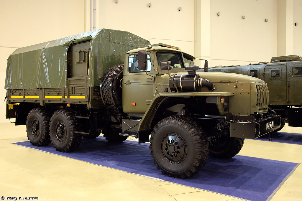 Бронеавтомобиль Федерал-42591 на шасси Урал-4320 (Federal-42591 armored vehicle on Ural-4320 chassis)