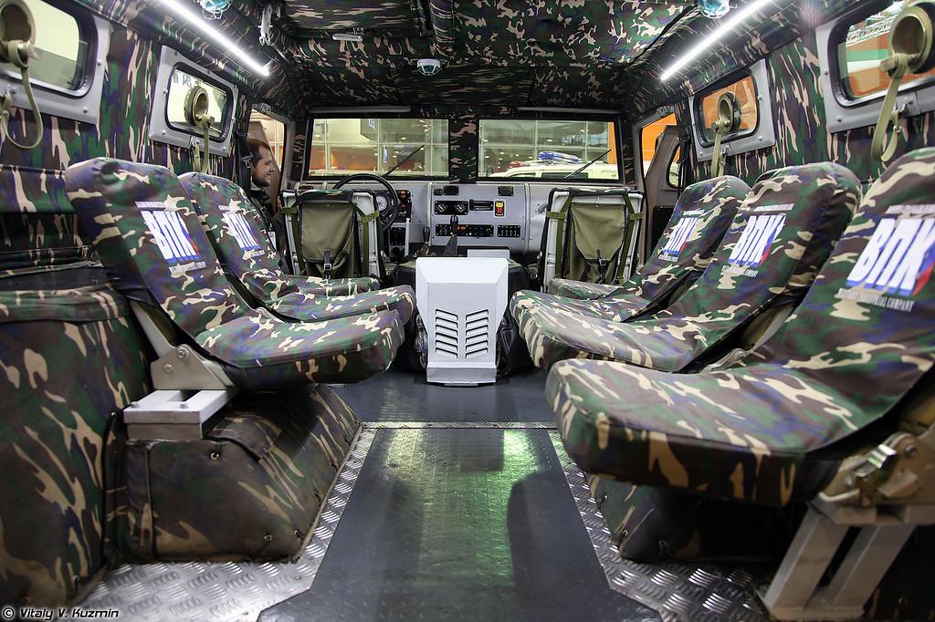 Специальная бронированная машина СБМ ВПК-233136 Тигр-М (Special armored vehicle SBM VPK-233136 Tigr-M)
