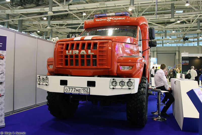 Автоцистерна пожарная АЦ-6,0-70 (4320) на шасси Урал NEXT (ATs-6,0-70 (4320) fire truck on Ural NEXT chassis)