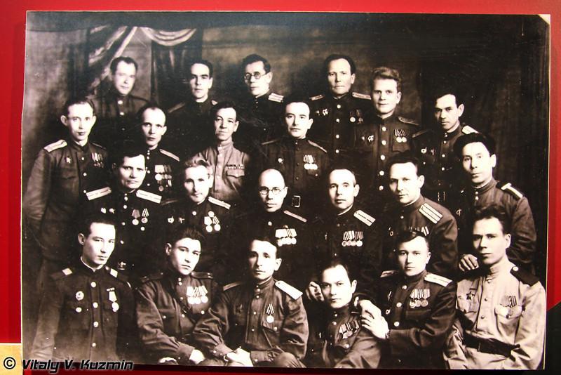 Татарские писатели и поэты - участники Великой Отечественной войны (Tatar writers and poets - veteran of Great Patriotic war)