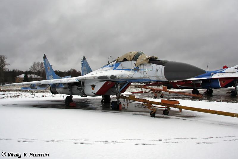 МиГ-29 в старой раскраске АГВП Стрижи (MiG-29 in Swifts previous paint scheme)