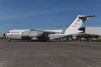 Kuwait Air Force Boeing C-17A Globemaster III KAF 342 (msn F-264) AMS (Ton Jochems). Image: 953840.