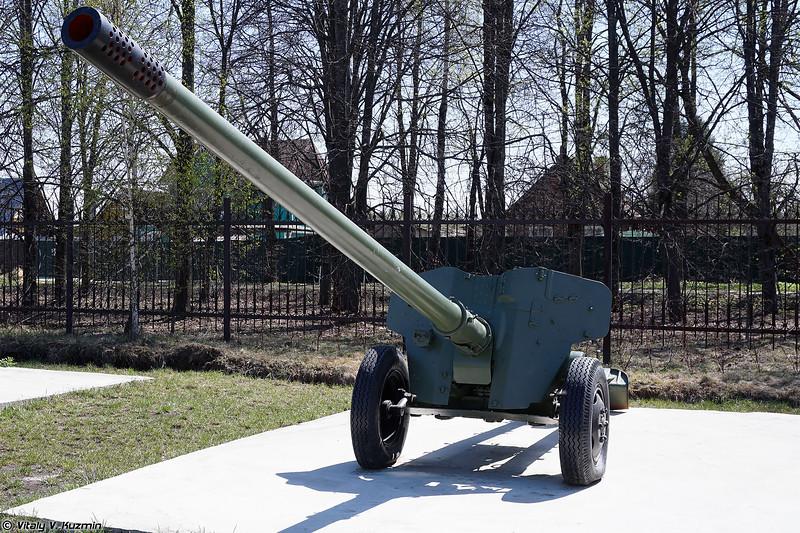 100-мм противотанковая пушка Т-12 2А19 (100mm anti-tank gun T-12 2A19)
