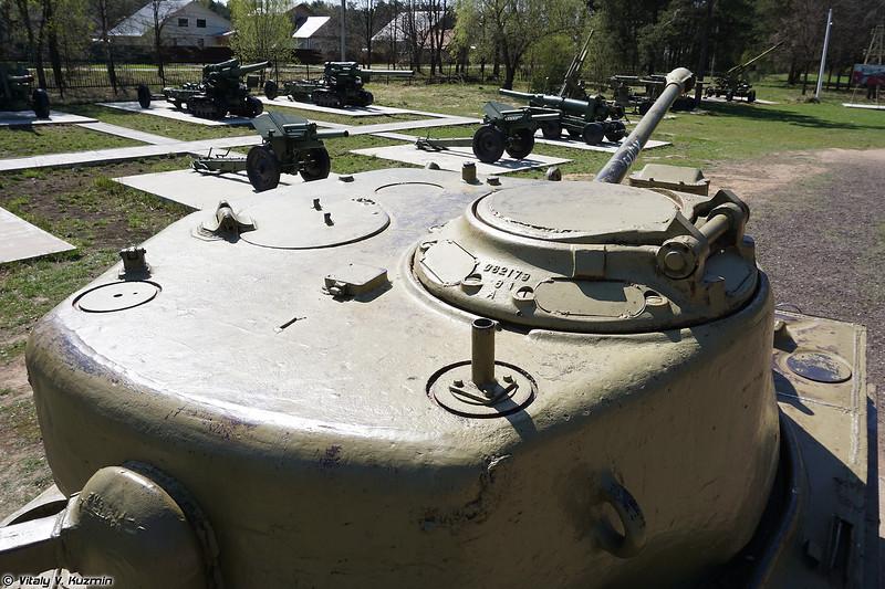M4A2(76)W HVSS Sherman