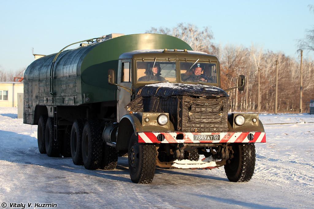 Топливозаправщик ТЗ-22 (Fuel vehicle TZ-22)