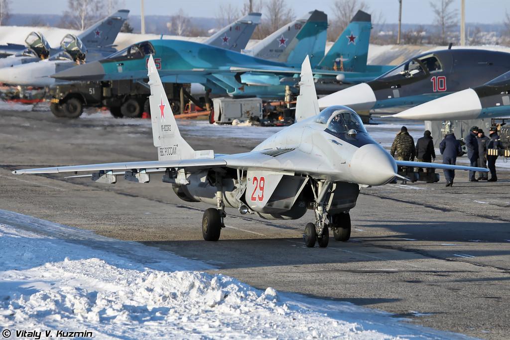 МиГ-29 регистрация RF-92262, бортовой номер 29 Красный (MiG-29 RF-92262, 29 Red)
