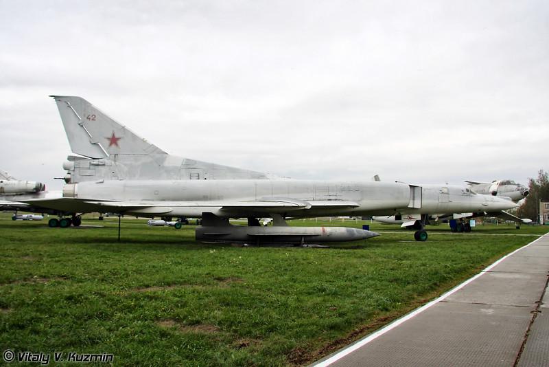 Ту-22М2 (Tupolev Tu-22M2 Backfire-B)