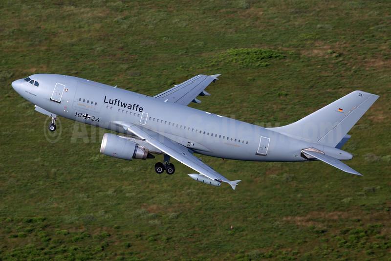 Luftwaffe Airbus A310-304 10+24 (msn 434) CGN (Rainer Bexten). Image: 933449.