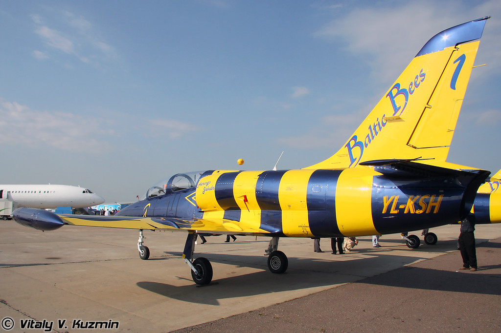 L-39 латвийской пилотажной группы Baltic Bees (L-39 latvian Baltic Bees aerobatics team)