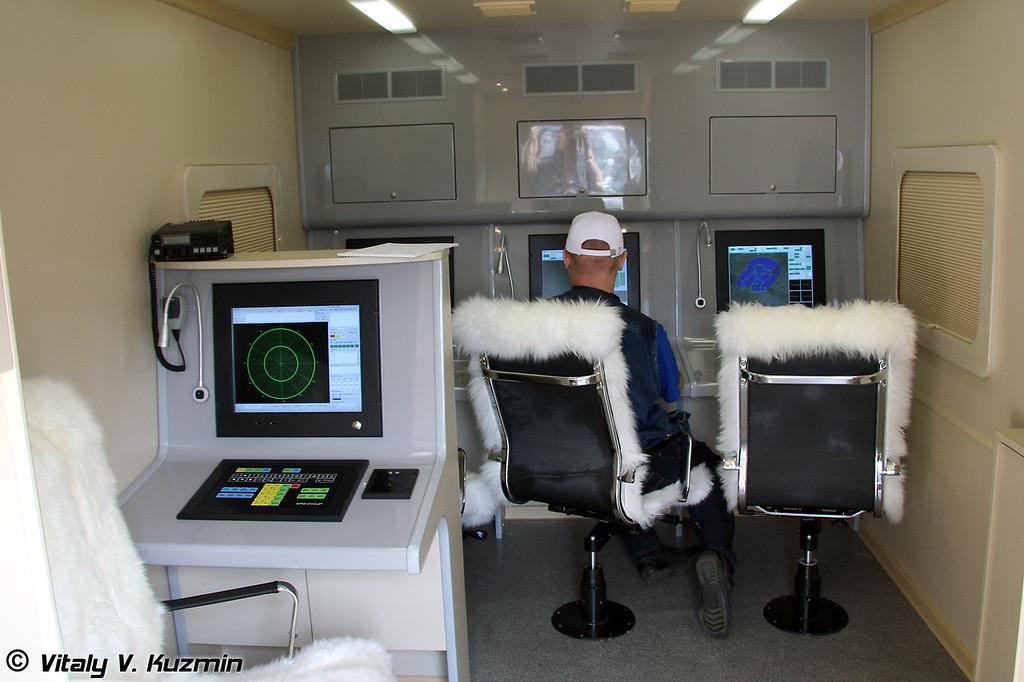 Кабина боевого управлени УНК-2М ЗРК Печора-2М (Combat command post UNK-2M for Pechora-2M Air defence system)