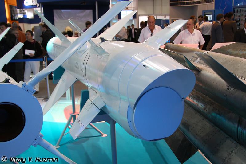 Авиационная тактическая противокорабельная ракета Х-35УЭ (Kh-35UE tactical antiship missile)