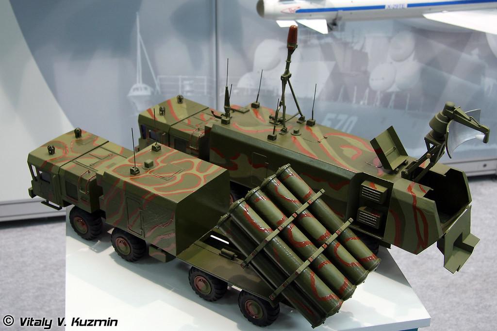 Береговой ракетный комплекс Бал-Э с противокорабельными ракетами Х-35Э (3М-24Э) (Bal-E coastal missile system with Kh-35E (3M-24E) anti-ship missiles)