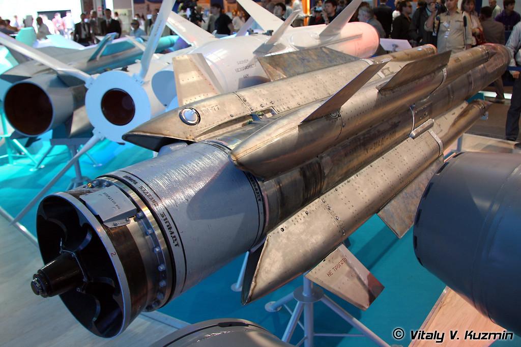 Авиационная высокоскоростная противокорабельная ракета Х-31АД (Kh-31AD high-speed air-launched antiship missile)