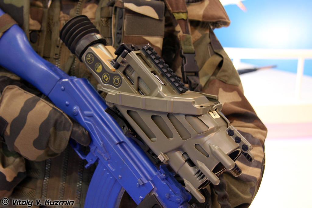 FELIN высокотехнологичный комплект индивидуальной экипировки пехотинца (FELIN future infantry soldier system)