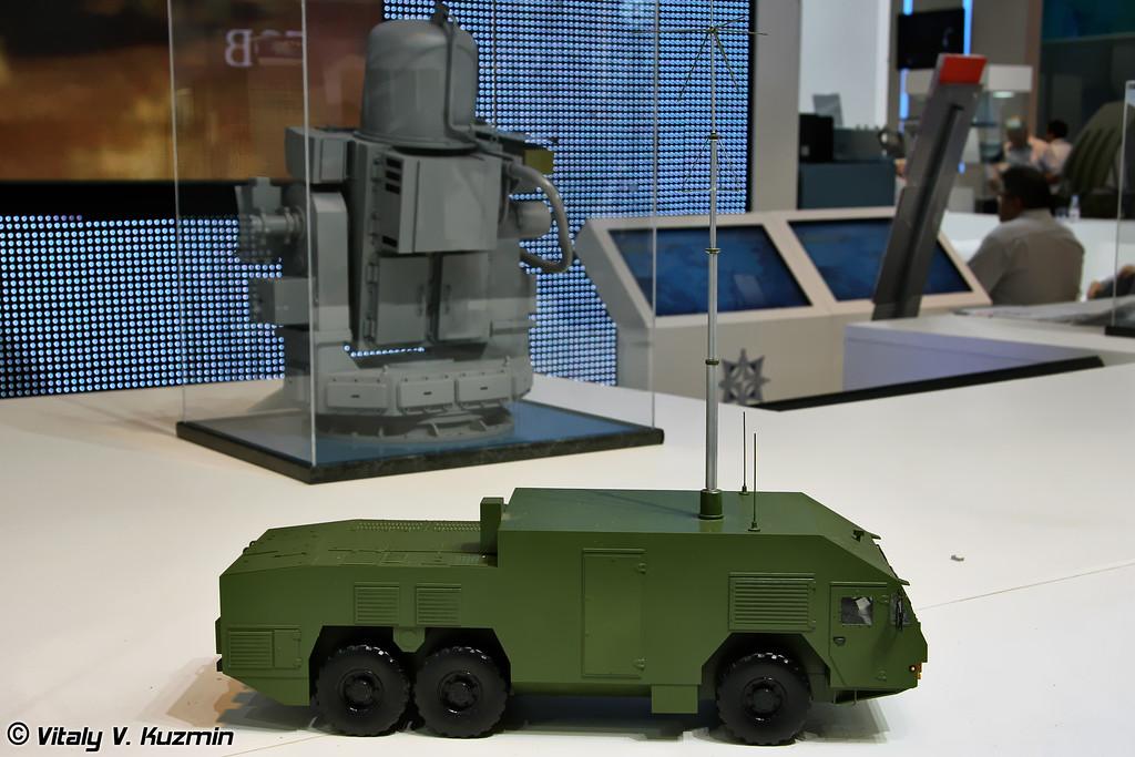 Командный пункт 9С510Э на колесном шасси МЗКТ-6922 из состава ЗРК 9К317Э Бук-М2Э (9S510E command post on MZKT-6922 chassis from 9K317E Buk-M2E missile system)