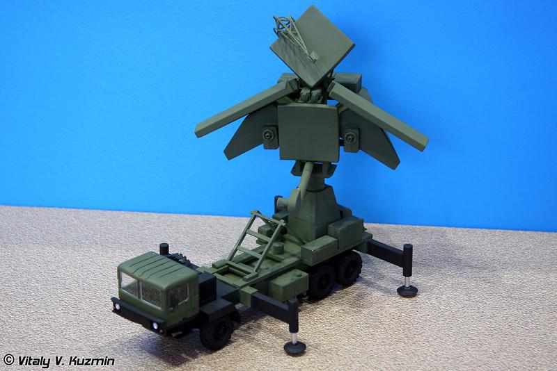 Антенный пост УНВ-2М из состава ЗРК Печора-2М (UNV-2M radar from Pechora-2M missile system)