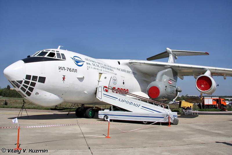 Ил-76ЛЛ с индийский двигателем Kaveri (IL-76LL flying testbed with indian engine Kaveri)