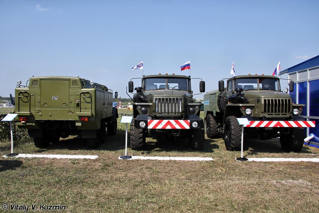 Установка для проверки гидросистем УПГ-300, воздухозаправщик ВЗ-20-350 и газозарядная станция УГЗС.М-КР (Hydraulic system checking vehicle UPG-300, Air compressor vehicle VZ-20-350 and gas vehicle UGZS.M-KR)