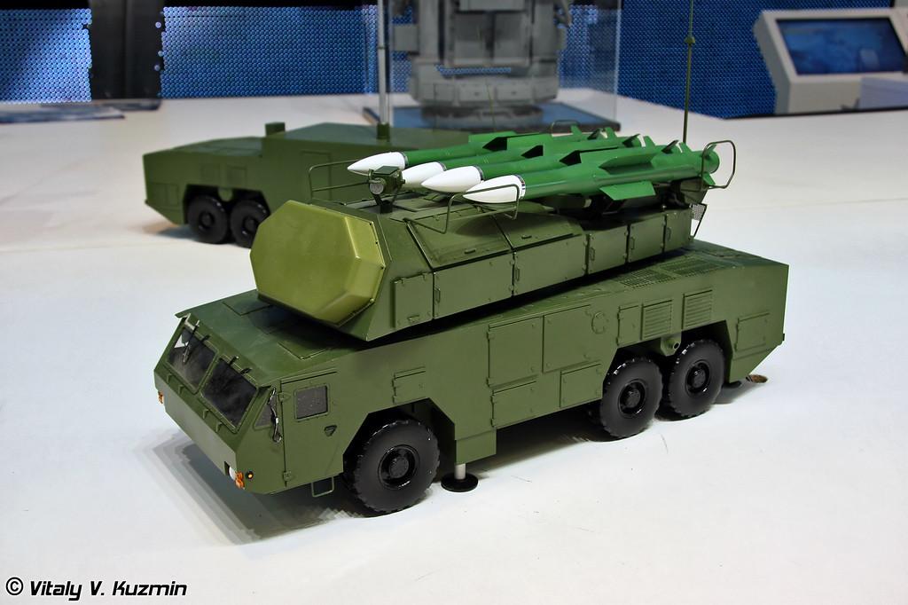 Самоходная огневая установка 9А317Э на колесном шасси МЗКТ-6922 из состава ЗРК 9К317Э Бук-М2Э (9A317E transporter erector launcher and radar on MZKT-6922 chassis from 9K317E Buk-M2E missile system)