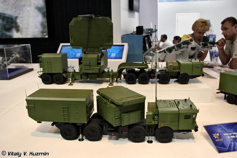 Многофункциональная РЛС 92Н2Е и РЛК обнаружения 91Н6Е из состава ЗРС С-400 (Multifunctional radar 92N6E and Detection radar 91N6E from S-400 missile system)