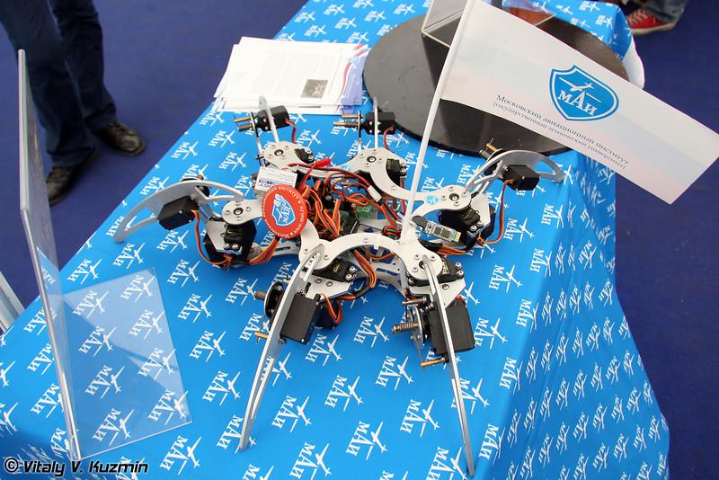 Мобильный робот на базе инсектоморфного шасси (Mobile robot)