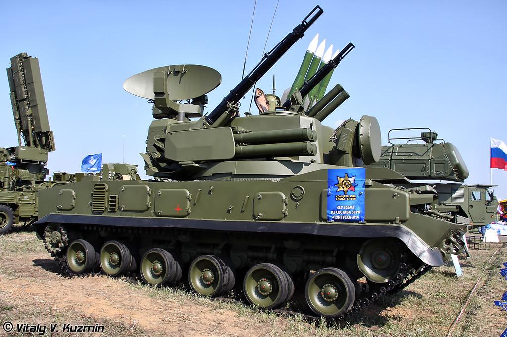 Зенитная самоходная установка 2С6М1 из состава ЗРПК  Тунгуска-М1 (Self-propelled air defense vehicle 2S6M1 from Tunguska-M1 gun-missile system)