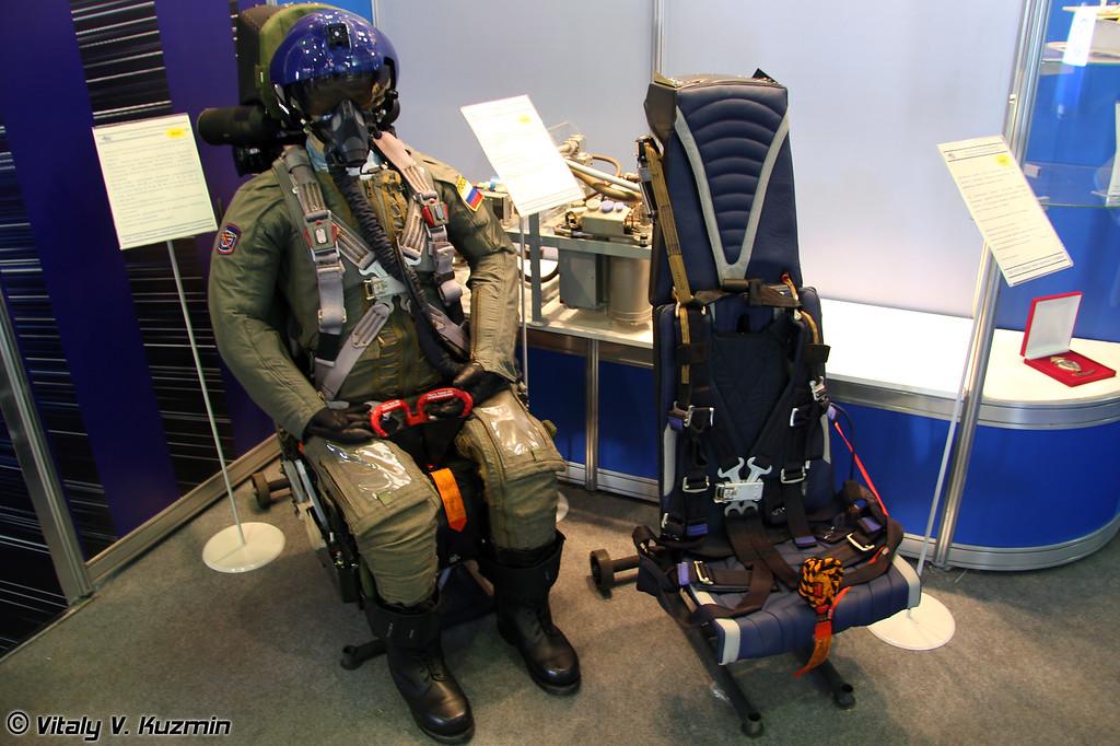 Новое катальтное кресло К-36Д-5 и катапультная система гражданских самолетов КС-2010 (New K-36D-5 ejection seat and KS-2010 ejection system for civil small aircrafts)